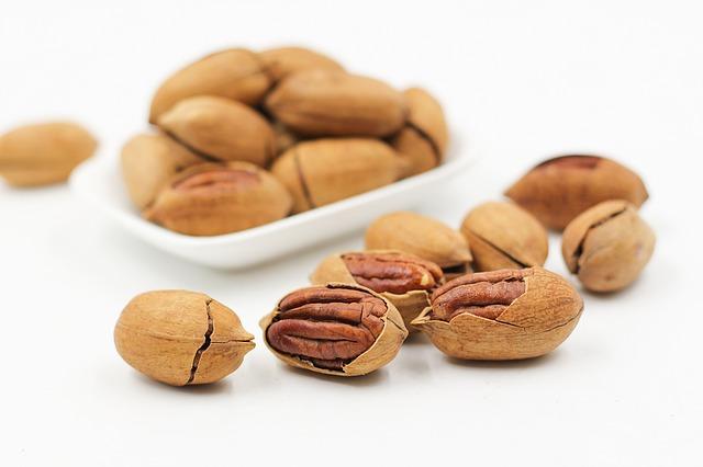 ořechy ve skořápce